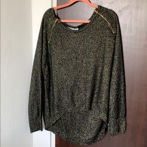 Sueter with gold detailing